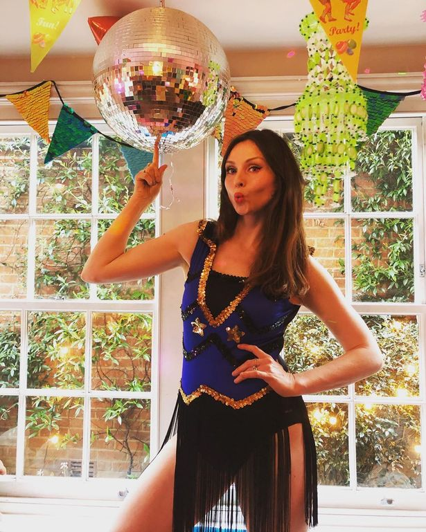 0_Sophie-Ellis-Bextor-explains-how-shes-survived-with-five-sons-while-performing-web-concerts-...jpg