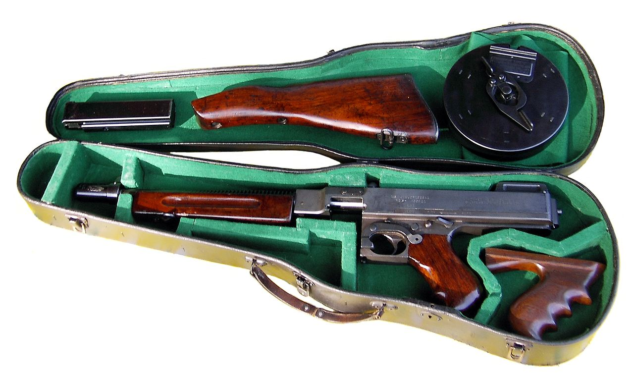 1280px-Thompson_in_violin_case.jpg