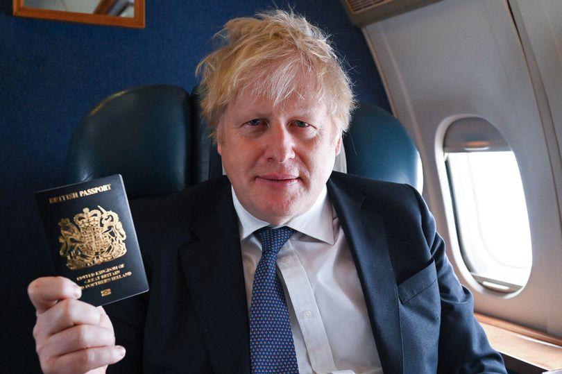 1_Boris-Johnson-new-Blue-Passports.jpg