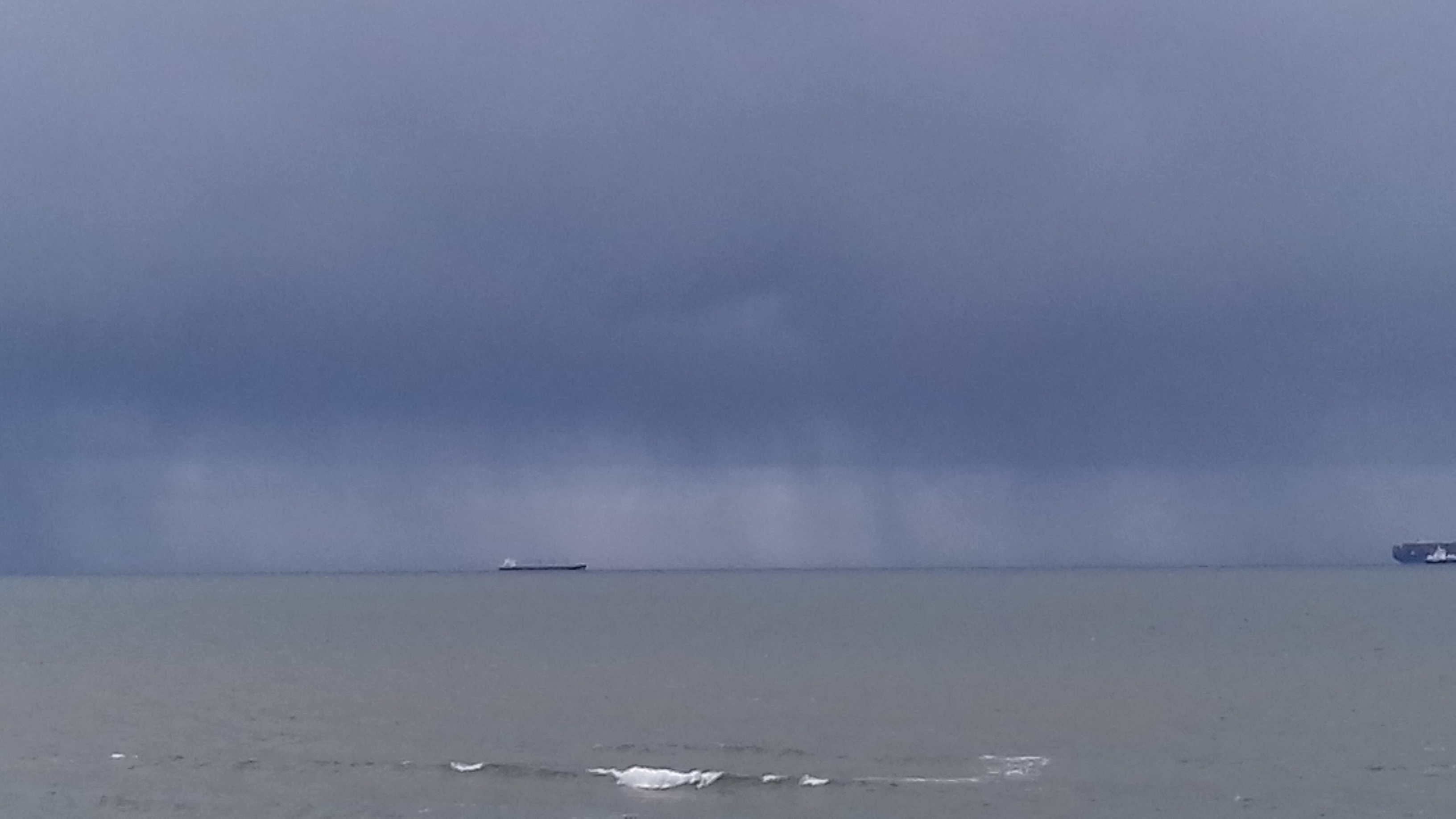 2021 Yaverland stormy 2 May 5.jpg
