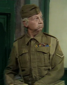 220px-Clive_Dunn-1973.png