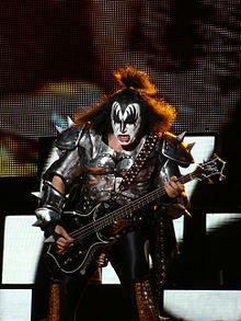 220px-Gene_Simmons_-_Azkena_Rock_Festival_2010_6.jpg
