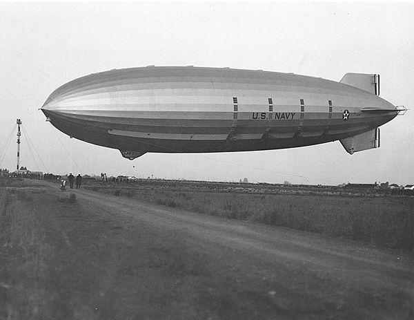 600px-ZRS-4_landing_h42156.jpg