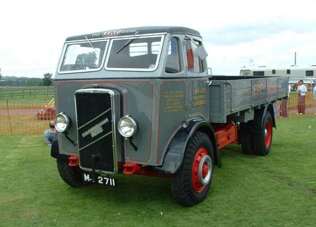 79469335139bb418d5d345dfb7dd4652--vintage-trucks-old-trucks.jpg