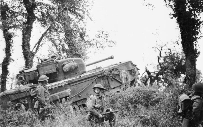 800px-7th_Royal_Tank_Regiment_supporting_8th_Royal_Scots_28-06-1944.jpg