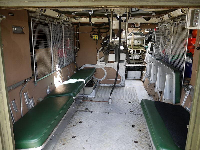 800px-FV432_interior.JPG