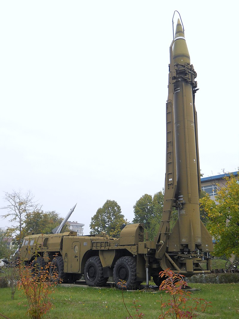 800px-Scud_missile_on_TEL_vehicle,_National_Museum_of_Military_History,_Bulgaria.jpg