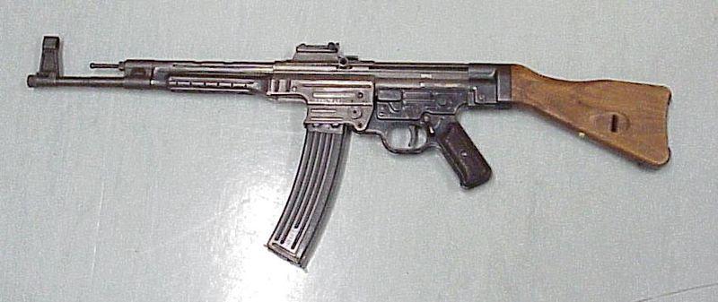800px-Sturmgewehr_44.jpg