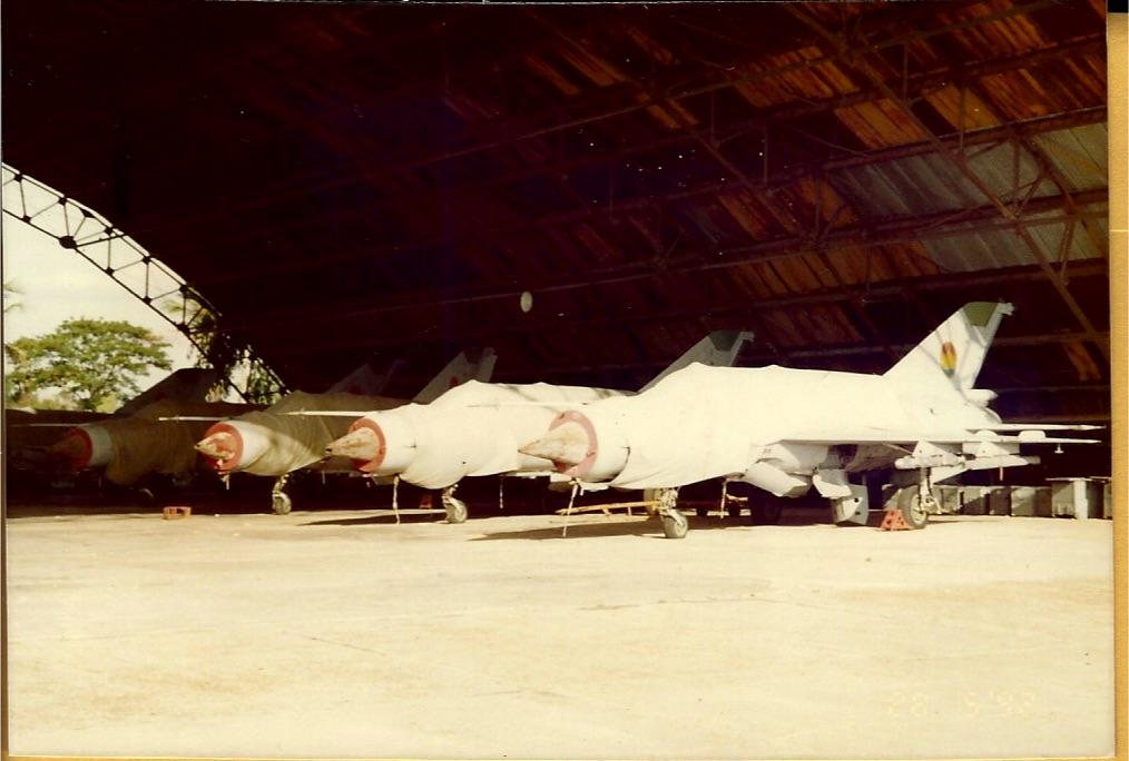 920528-2 Pochentong CPAF serv. Mig-21s.jpg
