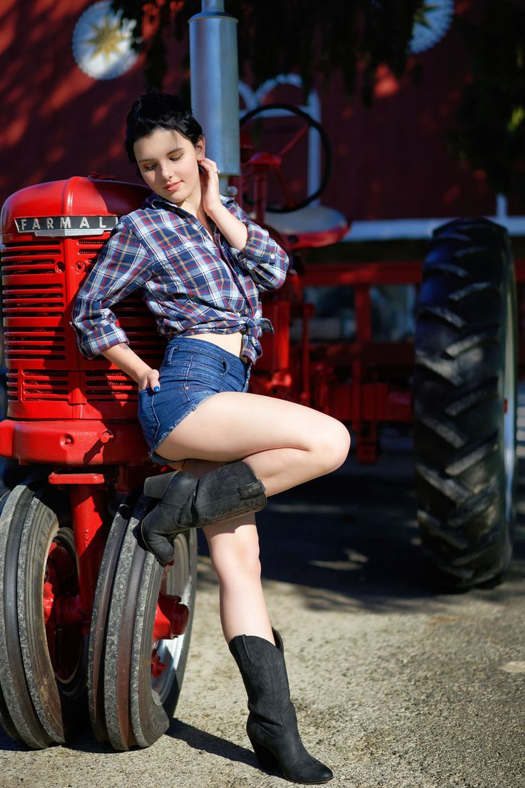 a536abf0ac38a259597c750b92145d9c--the-farmer-tractors.jpg