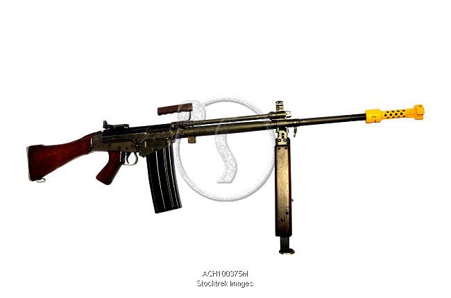 ach100375m-FN-FAL-7-62mm-L2A1-automatic-rifle.jpg