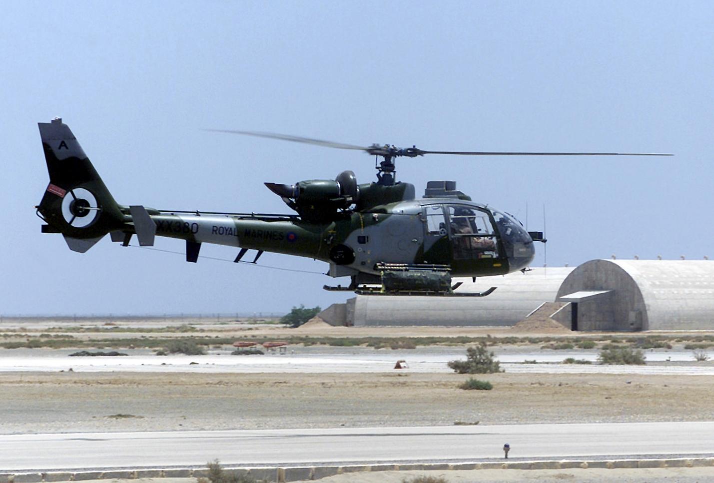 Aerospatiale_Gazelle_AH1_Royal_Marines_in_Iraq_2002.jpg