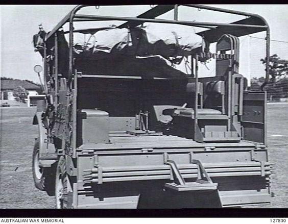 AUSTRALIA. TRUCKS, 15-CWT. SIGNAL OFFICE (AUSTRALIAN). REAR VIEW, QUARTER LEFT SIDE..jpg