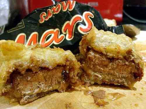 Battered-Mars-Bar-Weird-Fast-Food-UK-Travel-Room.jpg