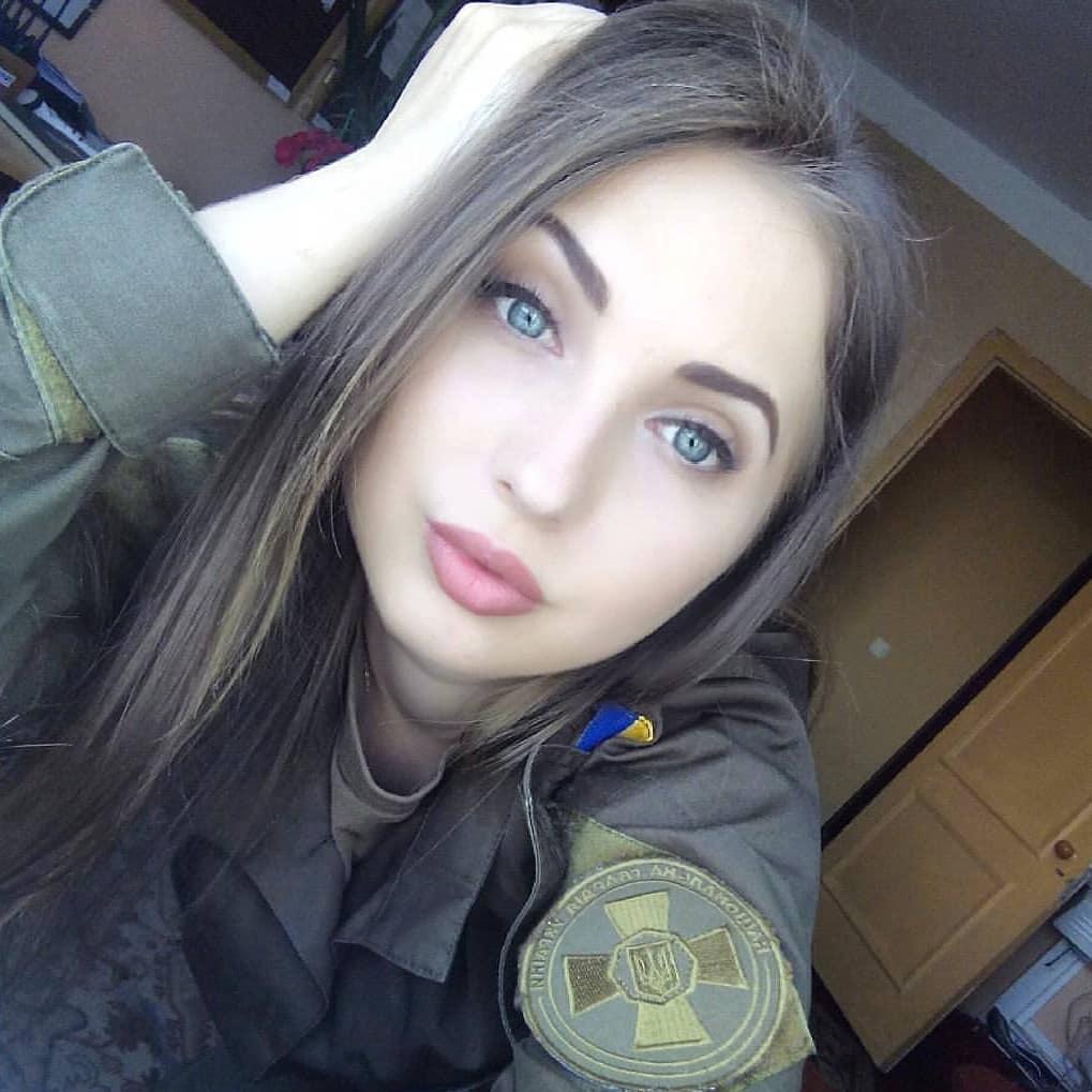 Beautiful-women-in-ukraine-army-ukrainian-military-girls_03.jpg