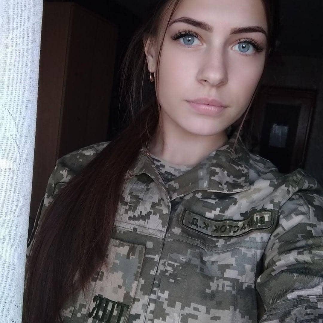 Beautiful-women-in-ukraine-army-ukrainian-military-girls_35.jpg