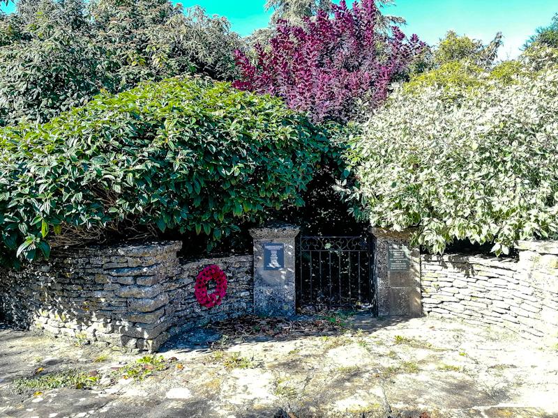 Beverston Memorial Garden (3).jpg
