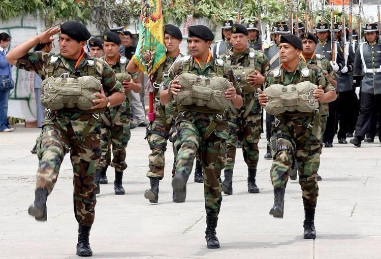 bolivian-army-e8d27844-d3fe-43e2-ad09-a7ec45f6c29-resize-750.jpg