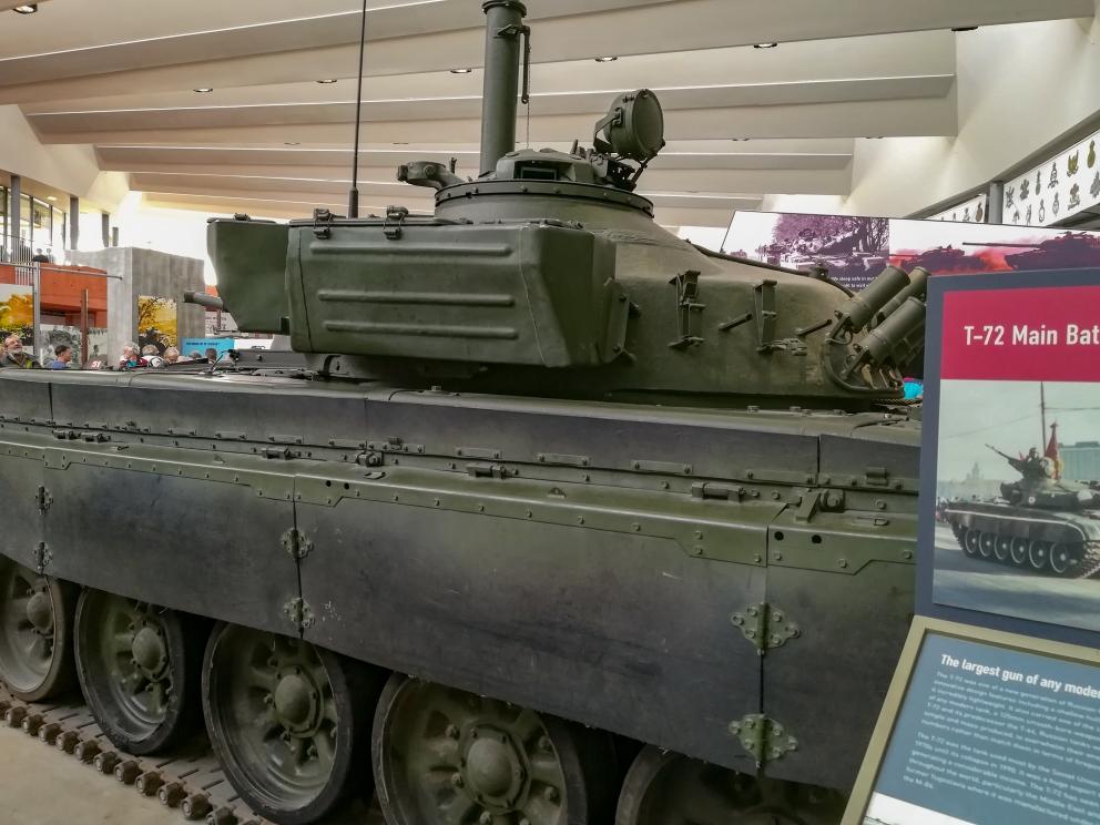 Bovington - T-72 (6) (Custom).jpg