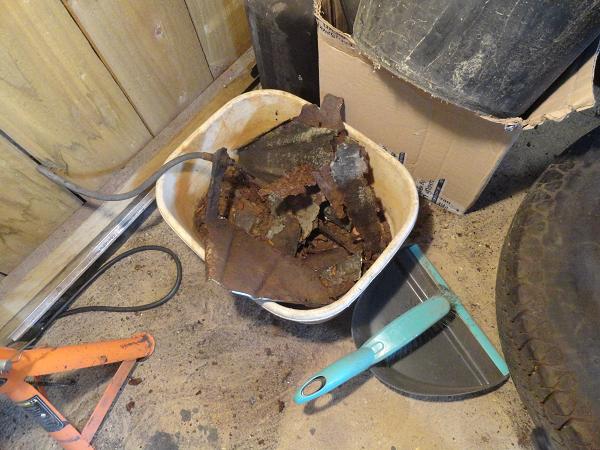 bowl full of rust.png