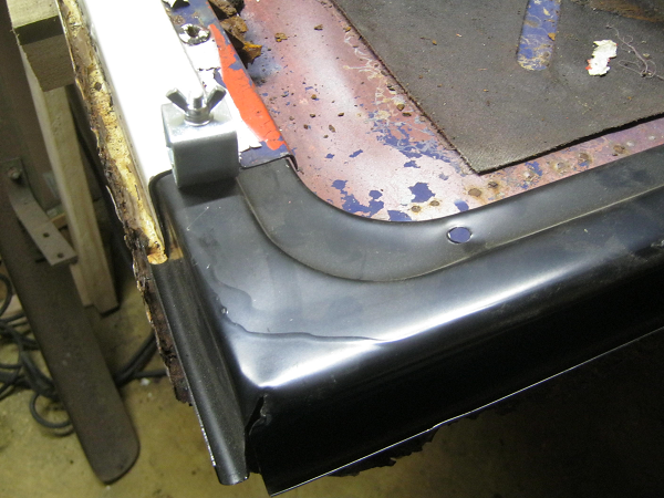 butt weld clamps in use rear ward.png