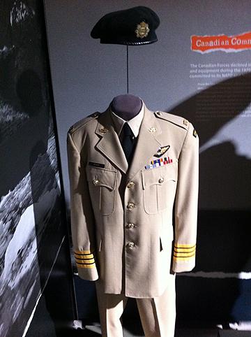 Canadian_Army_summer_service_uniform.jpg