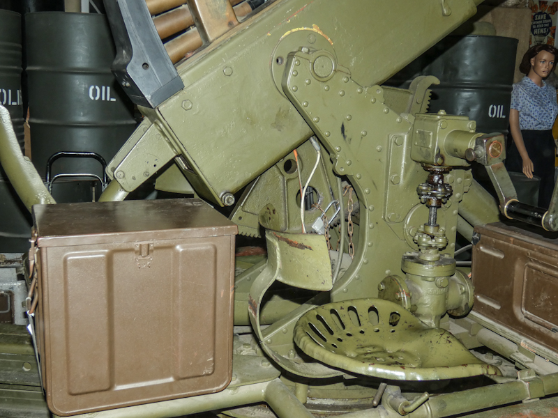 Castletown D-Day Centre-40mm Bofors Light Anti-Aircraft Gun L60 (10).jpg