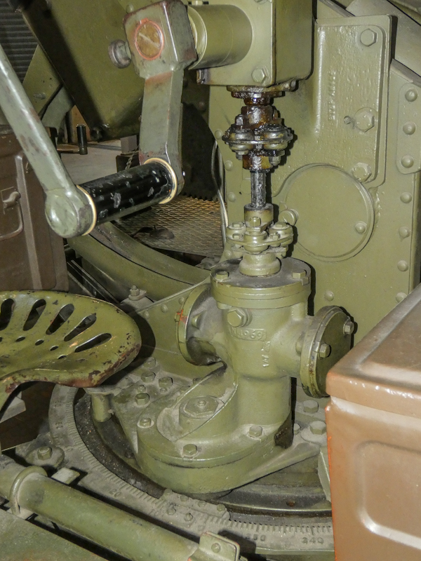 Castletown D-Day Centre-40mm Bofors Light Anti-Aircraft Gun L60 (11).jpg
