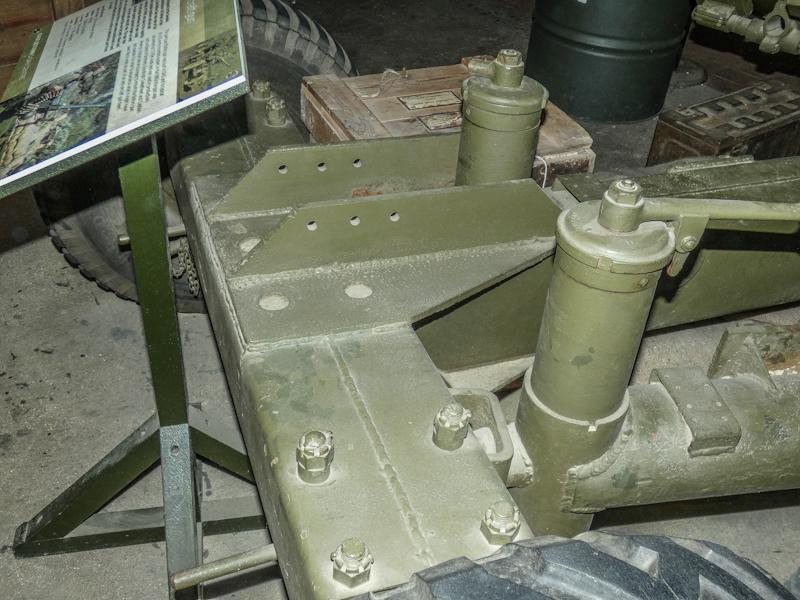 Castletown D-Day Centre-40mm Bofors Light Anti-Aircraft Gun L60 (15).jpg
