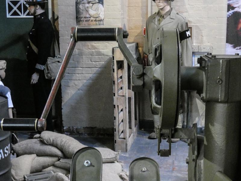 Castletown D-Day Centre-40mm Bofors Light Anti-Aircraft Gun L60 (7).jpg