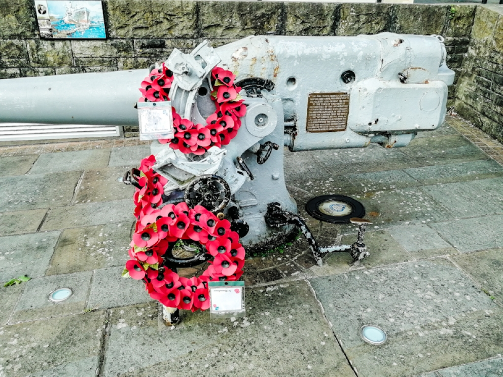 Chepstow War Memorial - U-Boot Gun (2) (Custom).jpg