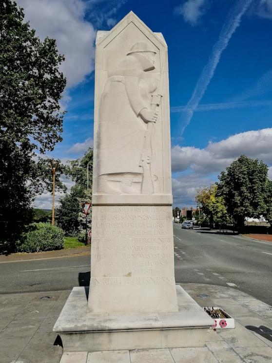 Chirk War Memorial (2) (Custom).jpg