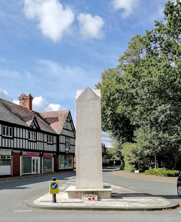 Chirk War Memorial (3) (Custom).jpg