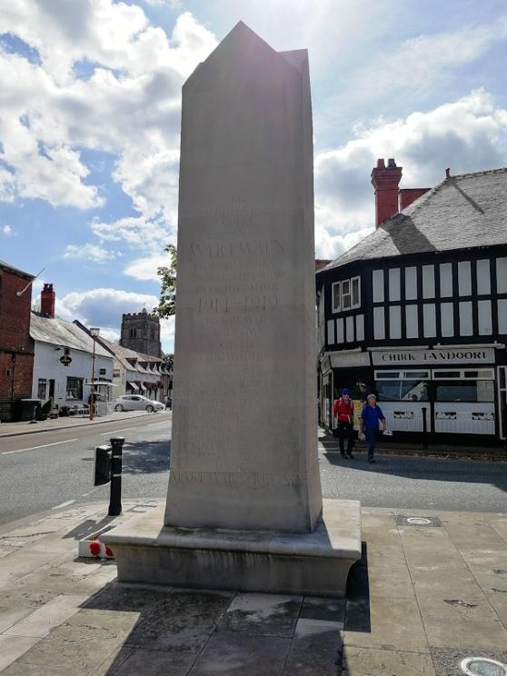 Chirk War Memorial (5) (Custom).jpg
