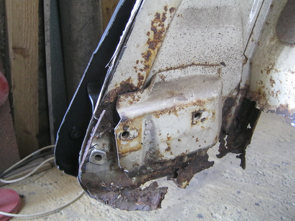 clamped showing rusted out foot.png