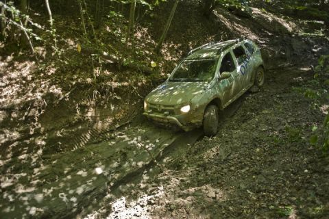 dacia-duster-beyond-the-limits-2.jpg