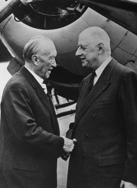 de Gaulle greets Adenauer.jpg
