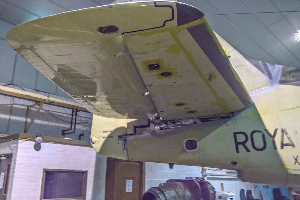 Fairey Gannet AEW (12) (Custom).jpg