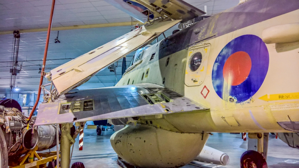 Fairey Gannet AEW (15) (Custom).jpg
