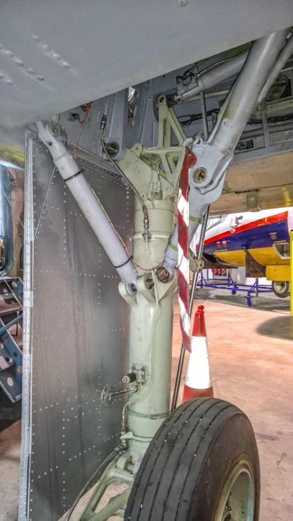 Fairey Gannet AEW (6) (Custom).jpg