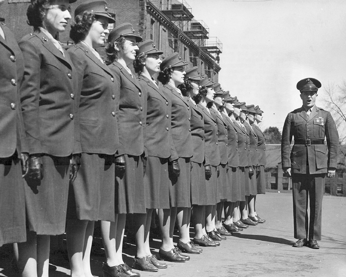 First_group_of_Women_Marine_Officer_Candidates_1943.jpg