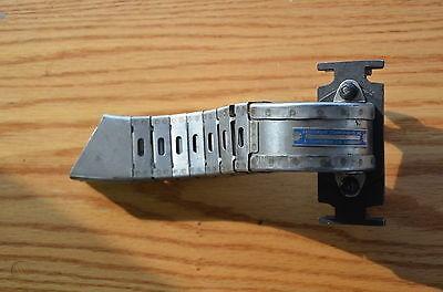 flexible-link-ejection-chute-20mm_1_f9fc69bcb17c1fc9559e8f86913988b8 (2).jpg