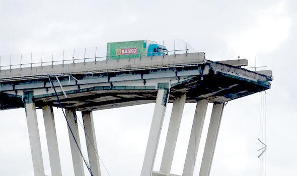 Genoa-Italy-bridge-1463003AA.jpg