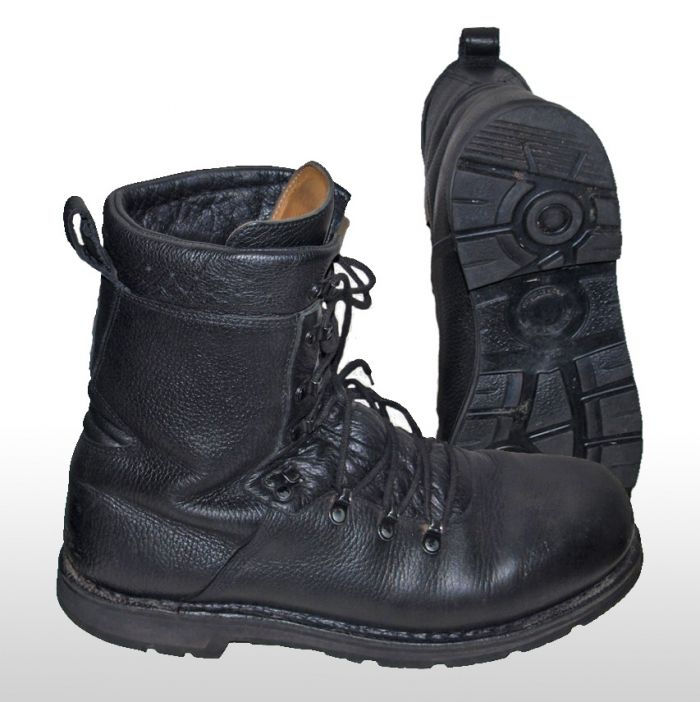german-army-para-boots-used-small-sizes-special-offer-pack-of-10-2480-p.jpg