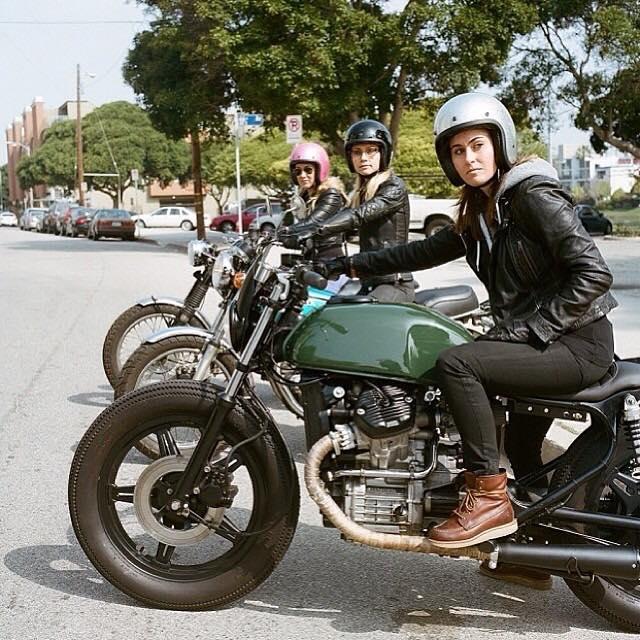 girlsonbikes77.jpg