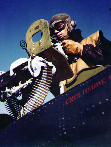 gunner_of_sbd_with_browning_machine_guns_1943.jpg