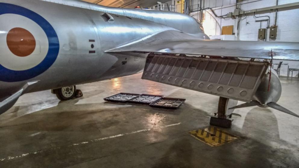 Hawker Hunter T7 (15) (Custom).jpg