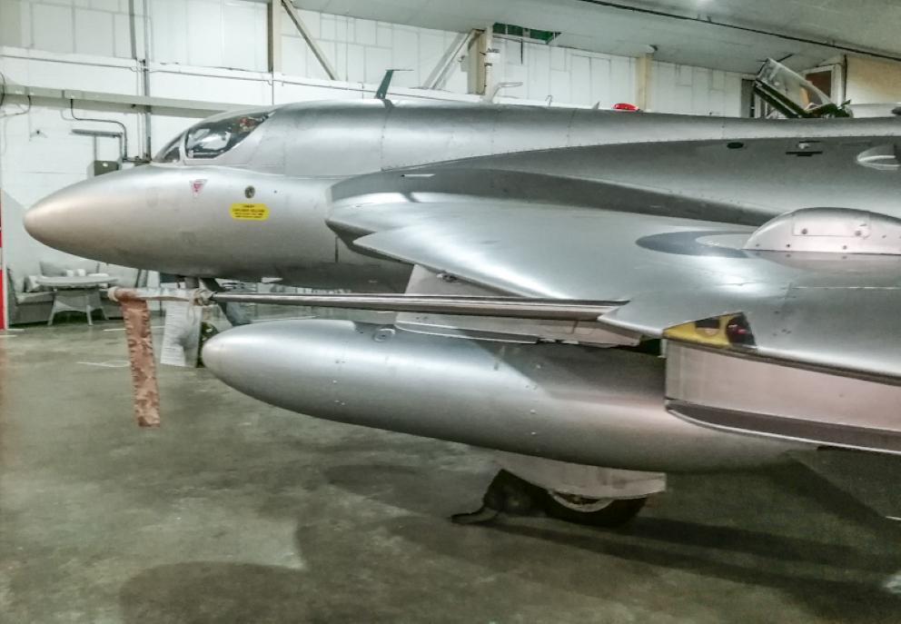 Hawker Hunter T7 (7) (Custom).jpg