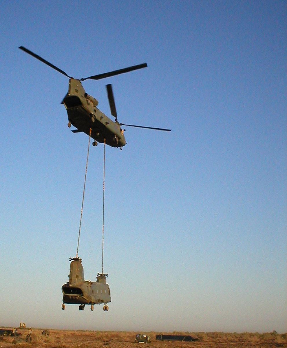 HCII_Chinook_Helicopter_Lift_3_Master.jpg
