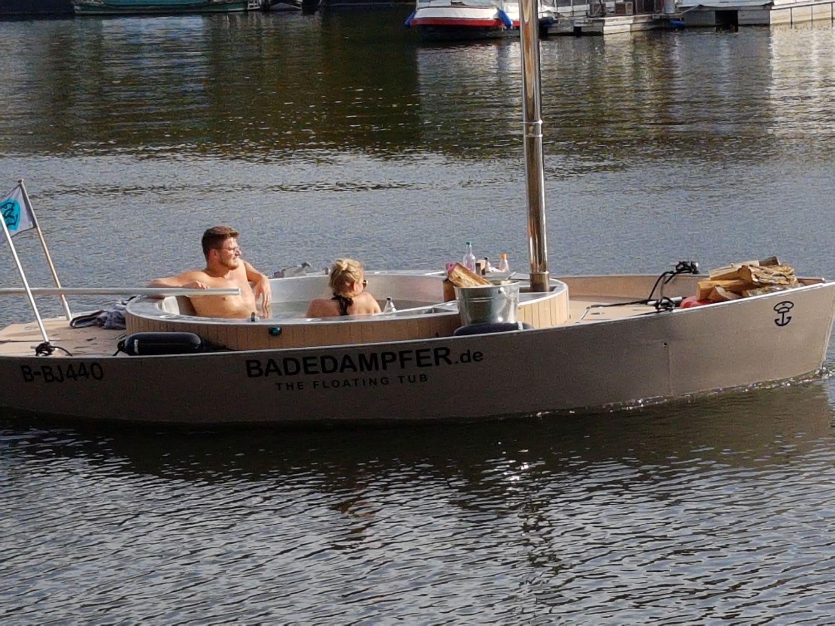 jacuzzi boat.jpg
